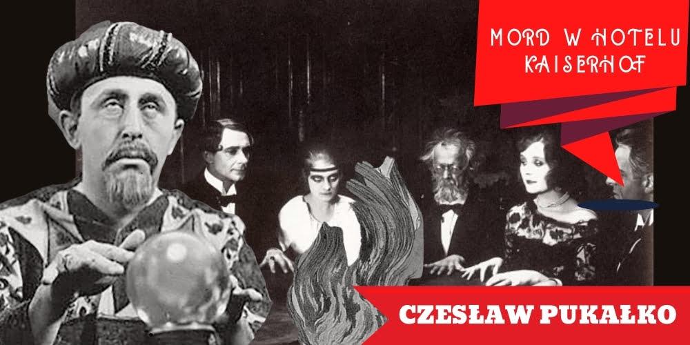 Na zdjęciu grupa wtrakcie seansu spirytystycznego, któremuprzewodzi Czesław Pukałko wpełnym transie. Naplanszy napis Czesław Pukałko.